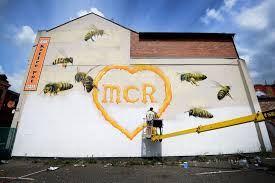 Mural Wall Art by Manchester Bees Mural Amazing Mancunian Tribute To The 22 Victims