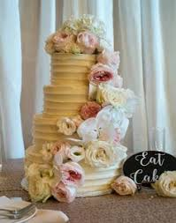 you can jazz up your wedding cake cutting ceremony with a sweet