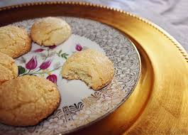 amaretti di saronno italian almond cookies recipe thee kiss