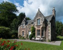 visit monzie clan crichton
