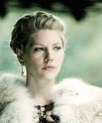 lagertha lothbrok clothes to make poor lagertha vikings pinterest lagertha vikings and vikings tv