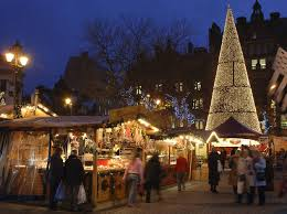 christmas markets and shopping for christmas gifts in manchester