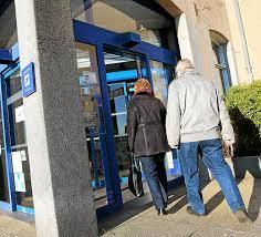 ouverture bureaux de poste le télégramme concarneau la poste les nouveaux horaires font