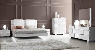 Elegant White Bedroom Sets White Modern Master Bedroom With Elegant Wood Modern Master