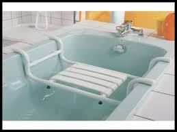 siege baignoire pour handicapé surprenant chaise de baignoire chaise baignoire chaise pour