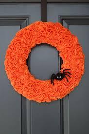 15 spooky diy halloween wreaths