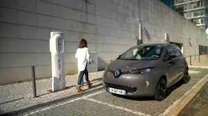 nissan leaf charging points 2017 renault zoe with new z e 40 battery charging point youtube
