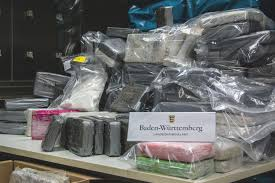 Staatsanwaltschaft Baden Baden Lka Bw 225 Kilogramm Kokain In Bananenkisten Aus Ecuador Entdeckt