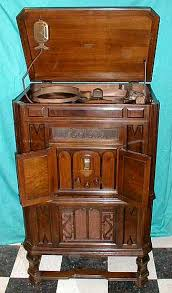 Rca Victrola Record Player Cabinet 1932 Rca Victor Radiola Art Deco Console Not Only Played 10 Inch