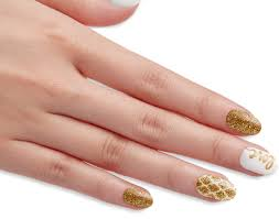 impress oval gel nails with gold glitter accents mcacarena