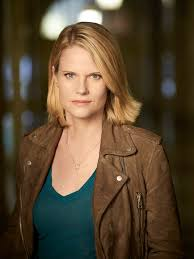 back of joelle carters hair chicago justice s joelle carter laura nagel and i are strong