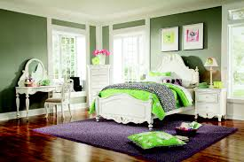 Green Master Bedroom by Hotel Room Decor Zamp Co