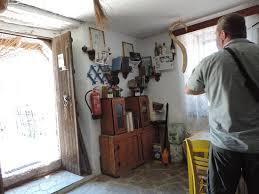 interiér kostasovy taverny řešení hlavolamů picture of kosta u0027s