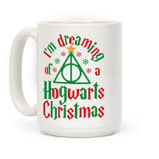christmas mug i m dreaming of a hogwarts christmas mugs human