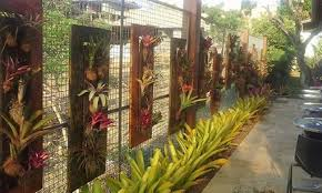 Garden Fence Decor Garden Fence Decor With Pallet Planters Pallet Ideas Recycled