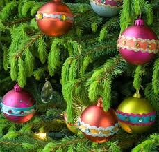 home dzine crafts baubles and tree decorations