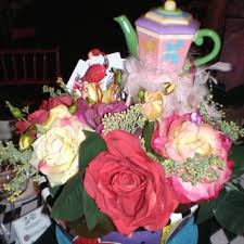 robyn story designs provided whimsical centerpieces that consisted