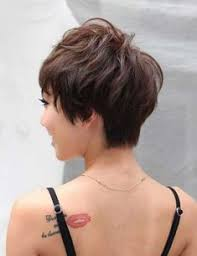 back view of wedge haircut styles best hairstyle for wavy hair wedge haircut haircuts and hair style