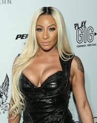 lyrica anderson wedding love and hip hop hollywood vh1 blonde hair with dark roots top