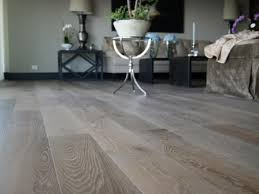 the best of year to install hardwood floors humid