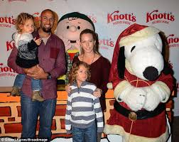 kendra wilkinson and hank baskett play happy families at snoopy