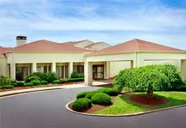 Airport Hotels Become More Than A Convenient Pit 7 Of The Best Pittsburgh Airport Hotels Pit Hotels With Free