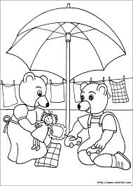6 dessins de coloriage Petit Ours Brun Noel à imprimer