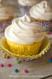 whipped cream cheese frosting on lemon cupcakes mindee u0027s cooking