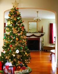 xmas tree decorating ideas with stylish swirl stripe shatterproof