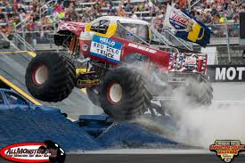 monster truck drag racing bristol tennessee thompson metal monster truck madness july