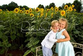 Photographers In Charlotte Nc Charlotte Field Of Dreams Annual Sunflower Field Photoshoot For