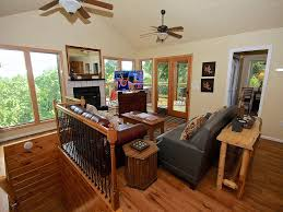 squirrel hill a 4 bedroom cabin in gatlinburg tennessee squirrel hill