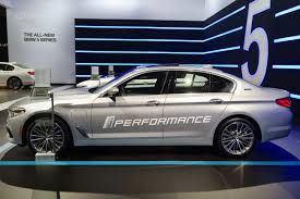 bmw brings its plug in hybrids to 2017 nyc auto show