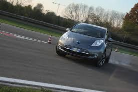 nissan leaf keista pažintis su u201enissan leaf u201c ką gausime sujungę elektromobilį