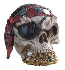 amazon com stealstreet ss g 44015 pirate skull head with treasure