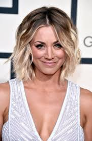 oh look kaley cuoco u0027s hair is suddenly long glamour
