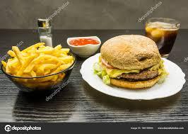 jeux de cuisine frite jeu de fast food burger de boeuf sur une assiette un bol de