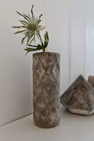 nostalgiecat concrete vase diy from a plastic bottle
