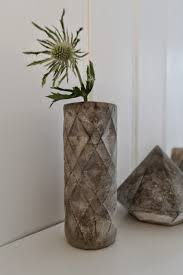 Diy Plastic Bottle Vase Nostalgiecat Concrete Vase Diy From A Plastic Bottle