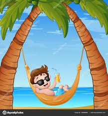 animé petit garçon relaxant sur la plage de hamac avec un cocktail