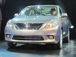 nissan versa mpg 2017 tell us is 40 mpg highway irrelevant or crucial to save gas