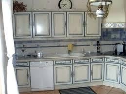 repeindre une cuisine ancienne repeindre une cuisine en chene meuble repeint en blanc 1 repeindre