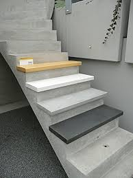 treppe mit vinyl bekleben die besten 25 treppenstufen renovieren ideen auf