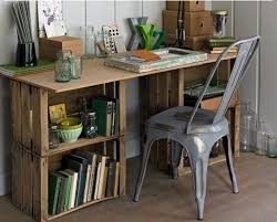 Diy Wood Computer Desk by Best 25 Crate Desk Ideas On Pinterest Crate Storage Desk And