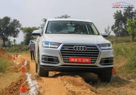 audi jeep 2015 audi q7 40 tfsi petrol launched in india price engine specs