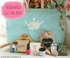 bridal party gift bags bridesmaid gift bag ideas what s in the bag