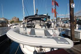 hunter 380 specialty yacht sales