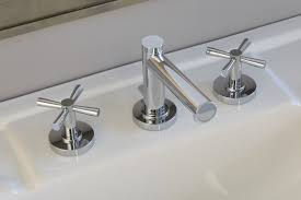 grand contemporary faucet w x handles