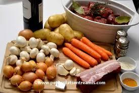 cuisiner le boeuf bourguignon boeuf bourguignon la recette traditionnelle petits plats entre amis
