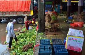 vashi market transporting veggies cost traders dearly during monsoons